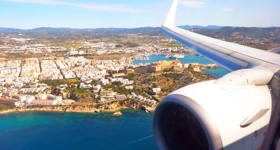 Ibiza tourists from UK require negative COVID-19 test or proof of vaccination to enter